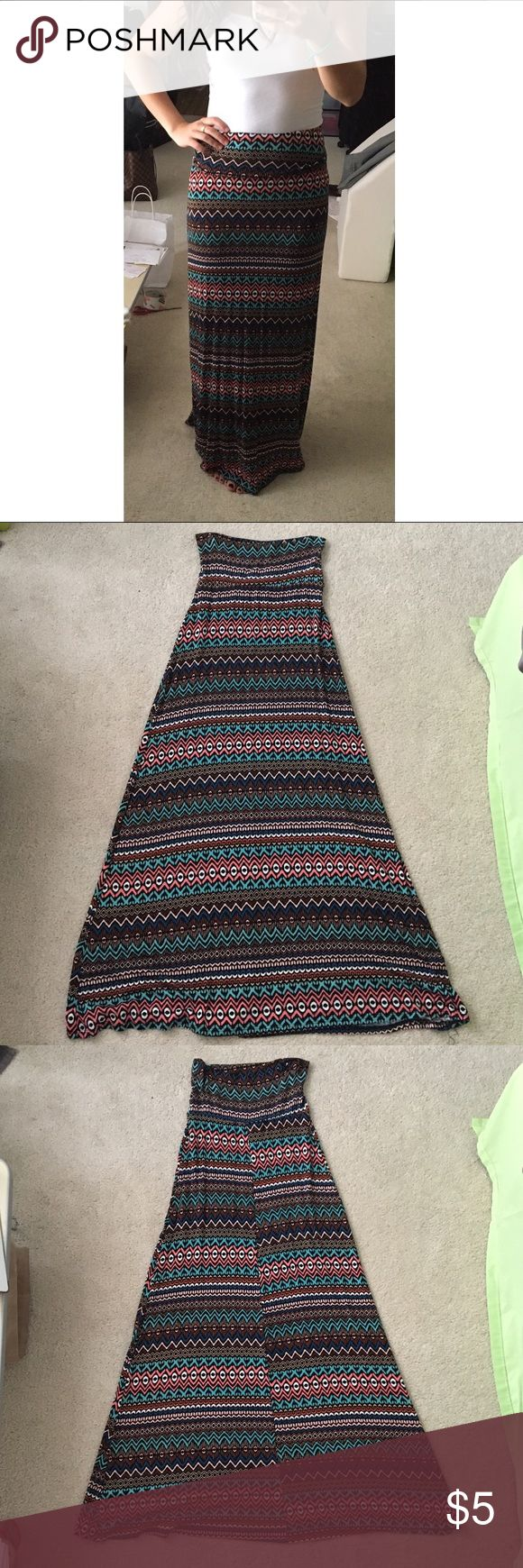 "Item 1: American Rag Maxi Skirt All items marked ""Item __"" are 3 for $12 IF you comment me the item numbers...I will create a new listing for you! 🤗 American Rag Maxi skirt, size XS. American Rag Skirts Maxi"