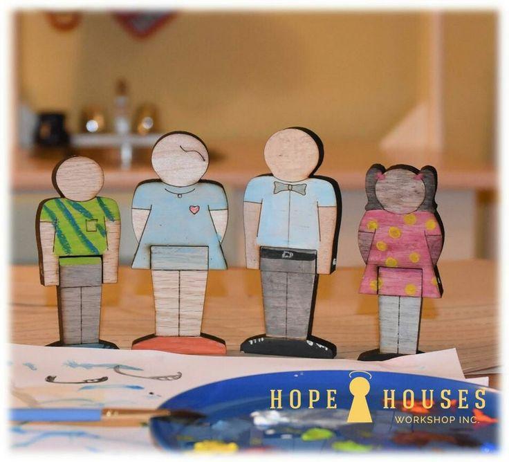 Hardwood dollhouse dolls