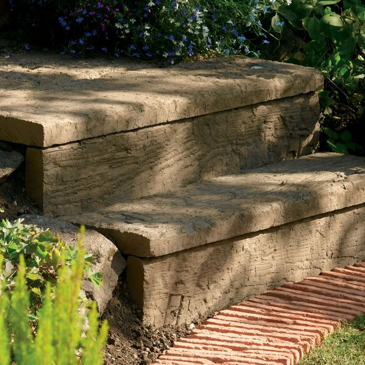 Traditional Stonewood Paving Edging Antique Brown, (L)900mm (H)250mm (T)50mm