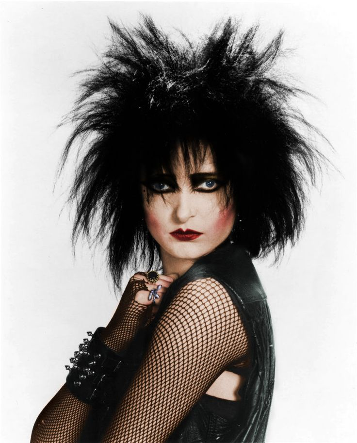 Siouxsie Sioux- the painted bird 2 by DarkAsterial-Vision.deviantart.com