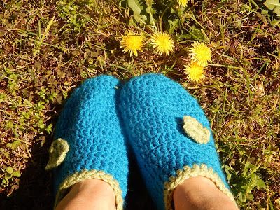 In & around my house : crochet slippers !!!!