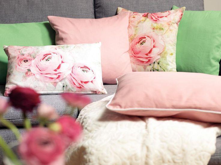 Invită vara în casa ta folosind patternuri florale și culori vii