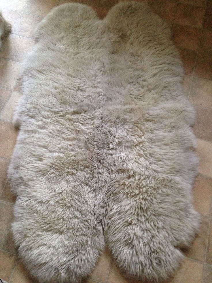 Ikea skold genuine sheepskin rug 160cm for the home for Lambskin rug ikea