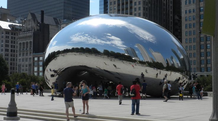 Cloud Gate, Chicago. Door reporter Kirsten.
