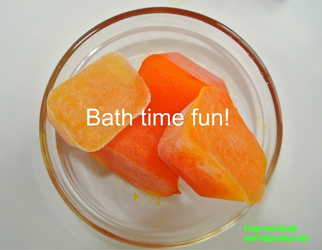 Lemon scented ice cubes in the tub-easy and fun toddler bath: Bath Fun, Tail Fspdt, Clever Ideas, Lemon Scented, Scented Ice, Fun Toddlers, Tots Sons, Simple Bath, Ice Cubes Trays