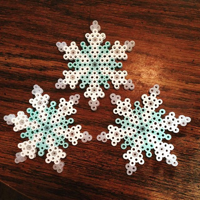 Snowflakes perler beads by slb005