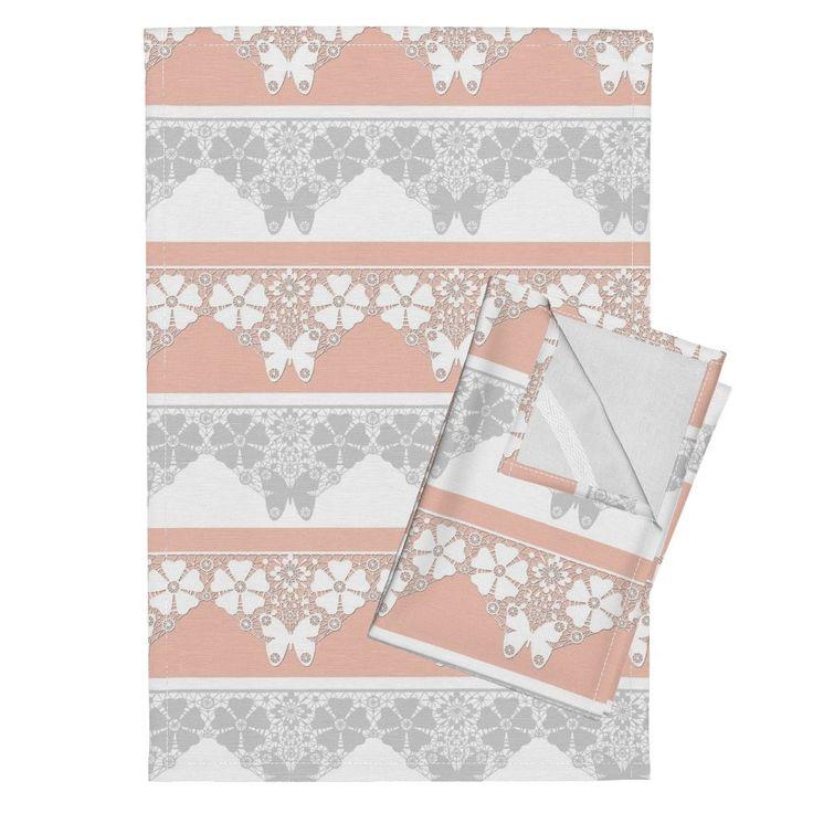 Орпингтон кухонные полотенца персикового цвета с кружевом по fuzzyfox   Roostery Home Decor