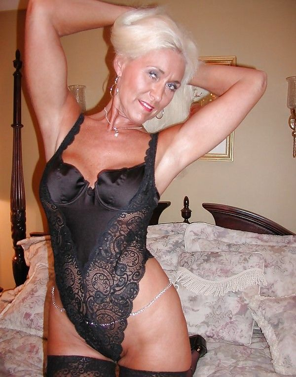 nude old black lady