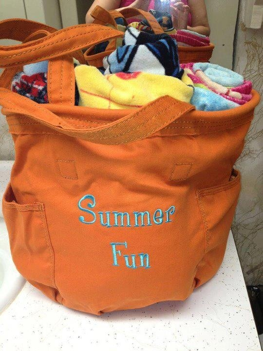 Thirty-one Retro Metro Bag ... Makes a great beach tote!