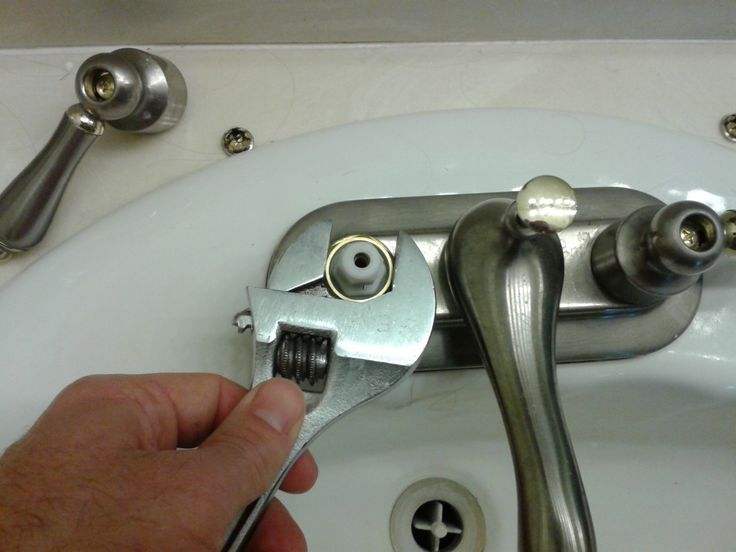 How To Fix A Leaking Faucet With Trobble Pipe