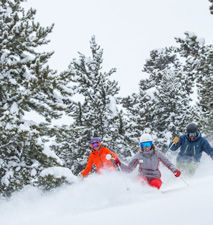 Get all the info you need about Snowmass, a ski / snowboard area in Colorado, with trail maps, lessons, rentals, snow report, grooming and tubing info.