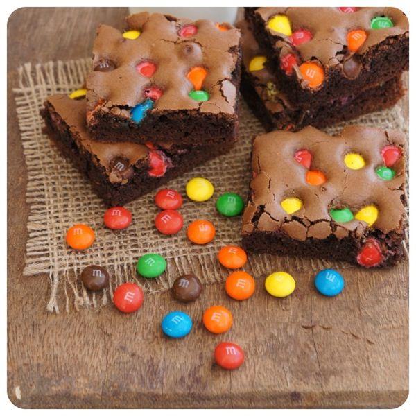 Brownie de M&M's - brownie, chocolate, confete -