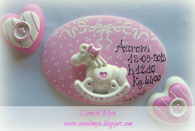 E' NATAAAAAA Targa in ceramica per nascita con applicazione di gesso profumato. Per info e contatti cosedimya@gmail.com