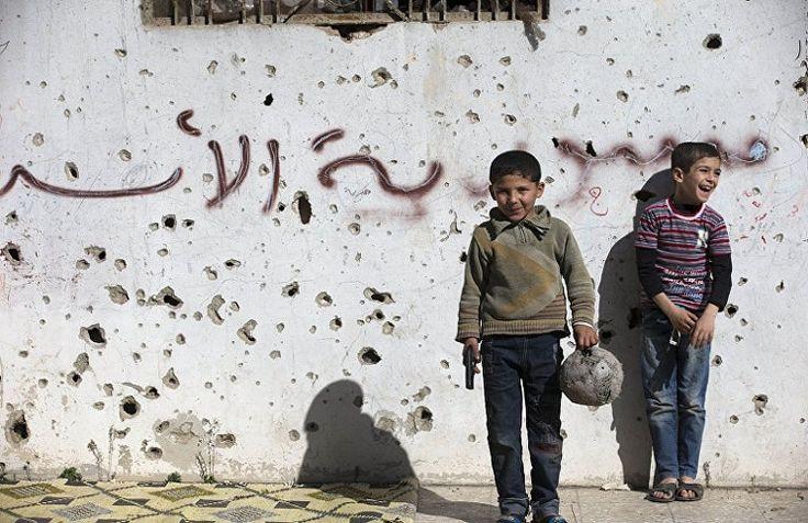 Первые христианские семьи начали возвращаться в восточные кварталы Мосула, освобожденные от джихадистов, сообщает 316NEWS со ссылкой на blagovest-info.ru. По информации сайта ankawa.com, по меньшей мере, три армянские семьи уже вернулись в свои дома, хотя жизнь в северной столице Ирака остается неб
