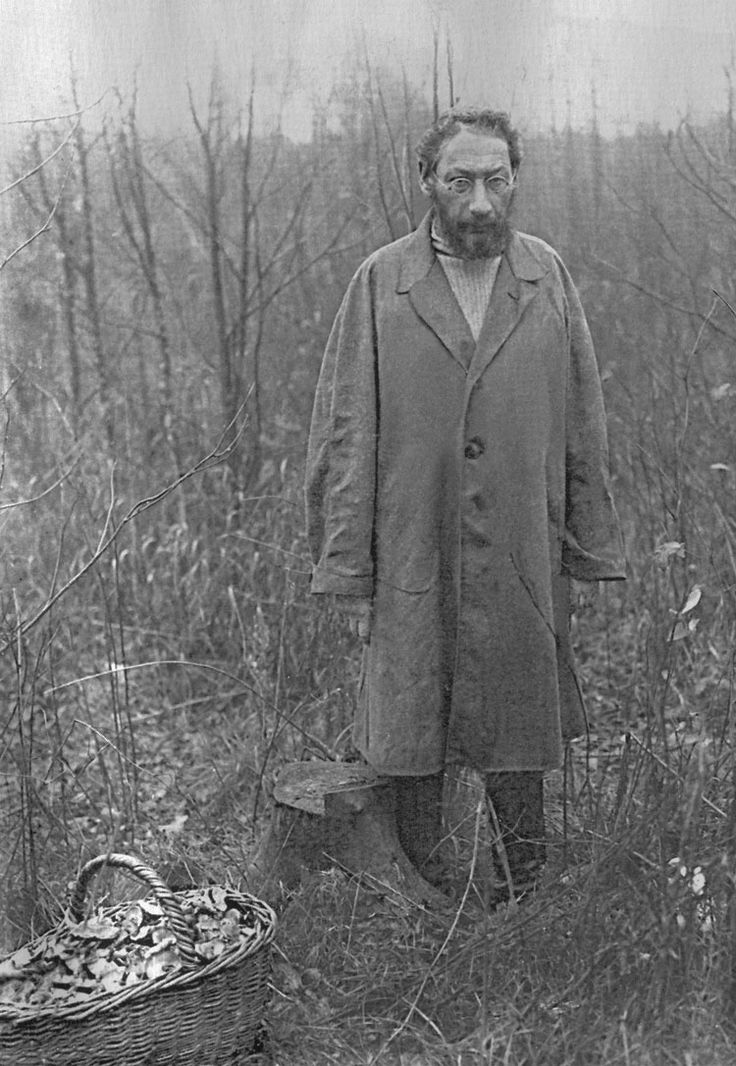 Pavel Florensky - Russian Orthodox theologian, priest, philosopher, mathematician, physicist, electrical engineer, inventor and Neomartyr. 1932