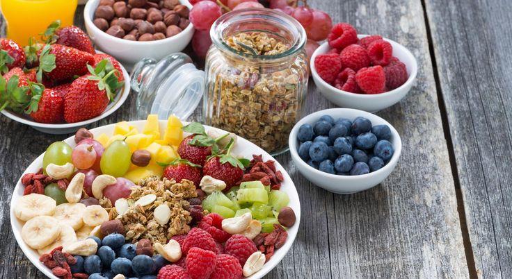 4 spuntini leggeri a base di frutta per mantenersi in forma    #LeIdeediAIA #AIA #frutta #frutti #colazione #mangiare #mangiarsano #cucina #cucinare #cook #cooking #food #foodie #eat #eating #viversano #pranzo #cena