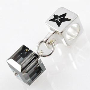 Charm with SWAROVSKI ELEMENTS crystal cube pendant Golden Shadow, silver version http://store.lovya.net/letters-from-your-heart-lovya/320-charm-wiszacy-z-krysztalem-swarovski-elements-szescian-w-kolorze-golden-shadow-wersja-srebrna.html