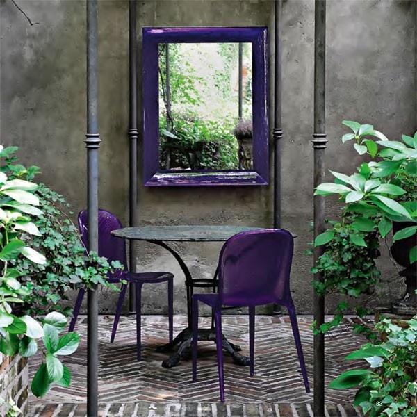 Deze paarse Kartell Thalya stoel fleurt je tuin meteen op. #stoel #tuin