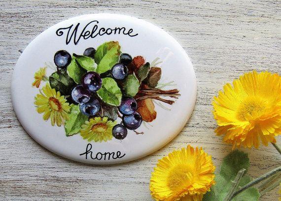 Targa personalizzata per la casa con mirtilli e fiori, Targa dipinta  a mano, targhetta per esterno  targa di porcellana targa per indirizzo