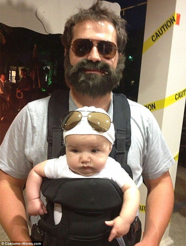Another father recreated a scene from the 2009 film The Hangover, playing Alan Garner with the beard and sunglasses after he took baby Carlos