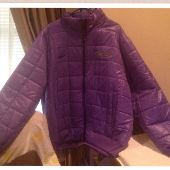 Men's jacket Brand new men's purple Kobe Bryant Nike thermal jacket ..... Light weight jacket Nike Jackets & Coats
