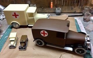 ambulances albums de tintin jouet bois construction style Aroutcheff Vilac
