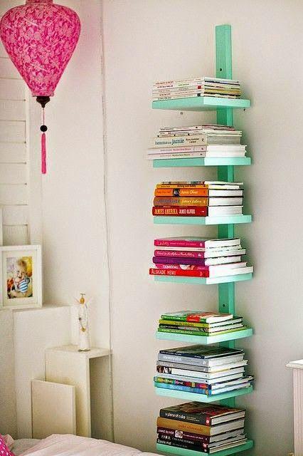 Ando procurando ideias simples para manter meus livros  organizados em um pequeno espaço, ai você pode pensar que tenho muitos livros, n...