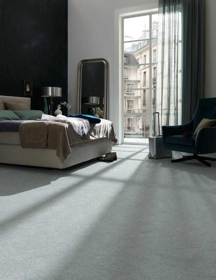 Абсолютное спокойствие в доме, этот светло голубой и мягкий ковер настраивает на расслабление, стильный дизайнерский ковер, дизайн ковра JAB Carpet, VAN VUGHT Interiors ваш дизайнер интерьеров в Берлине