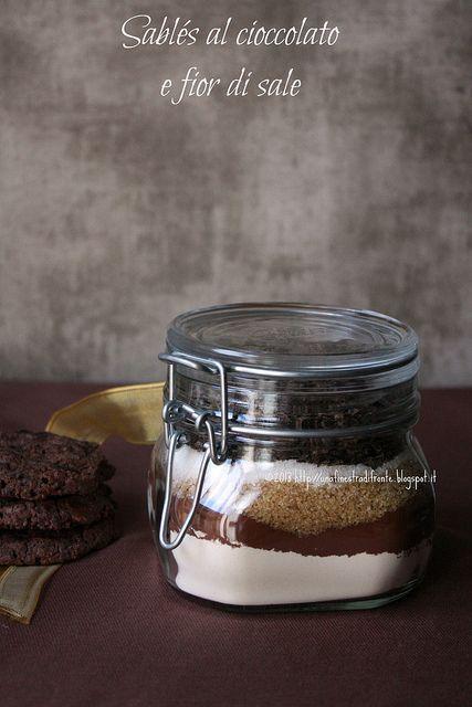 Sablés al cioccolato e fior di sale di P. Hermé (in barattolo e non)