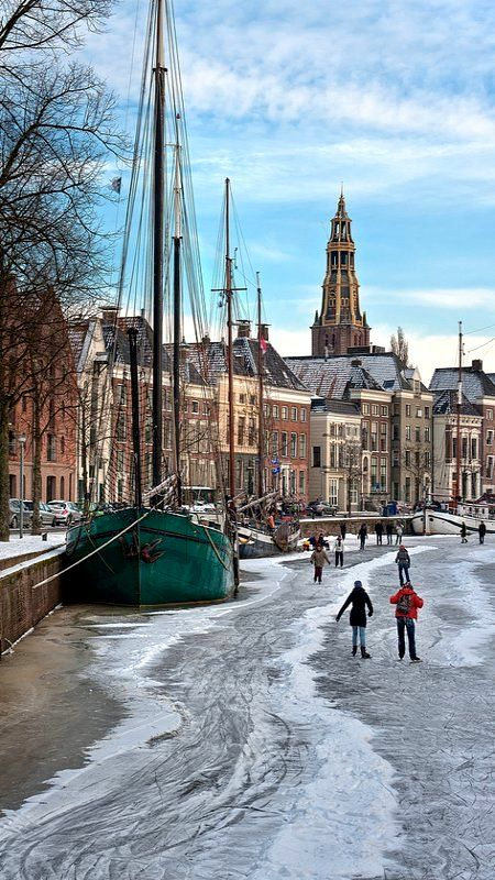**Frozen Canal, Groningen, The Netherlands (by Nietnagel on Flickr)