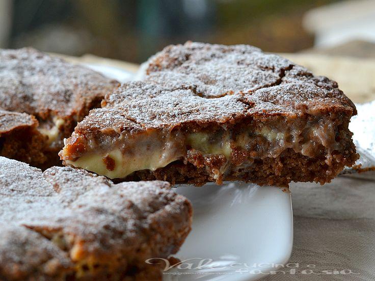 Crostata con pasta frolla alla nutella e mascarpone, golosa si scioglie in bocca, con nutella nell'impasto della pasta frolla e mascarpone cremoso