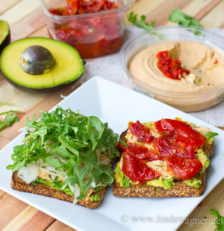 This sandwich is delicious and SO EASY to make!! #vegan #vegetarian #dairyfree