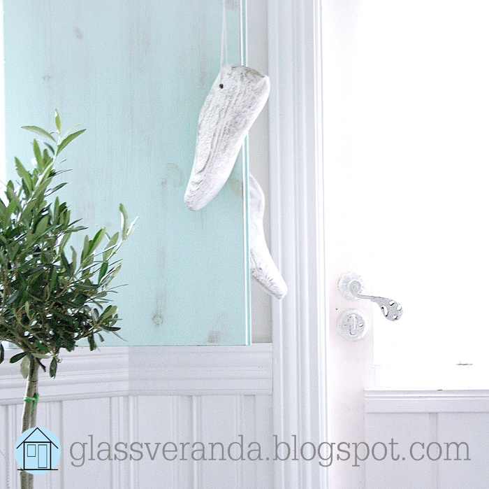 http://glassveranda.blogspot.com/ - Thousands of photos of great interior designs, DIY-projects and home decorating tips and ideas, -inspiration for your home and outdoor spaces! Welcome! :0)