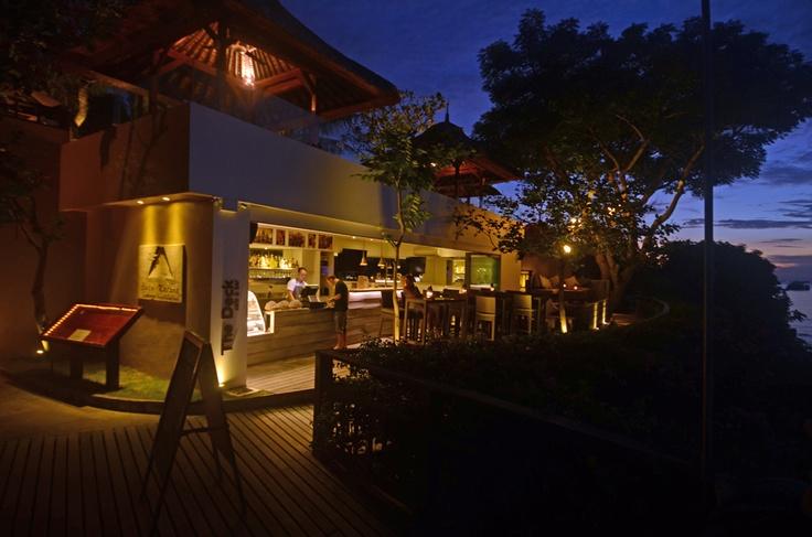 drinks with sunset.  www.batukaranglembongan.com