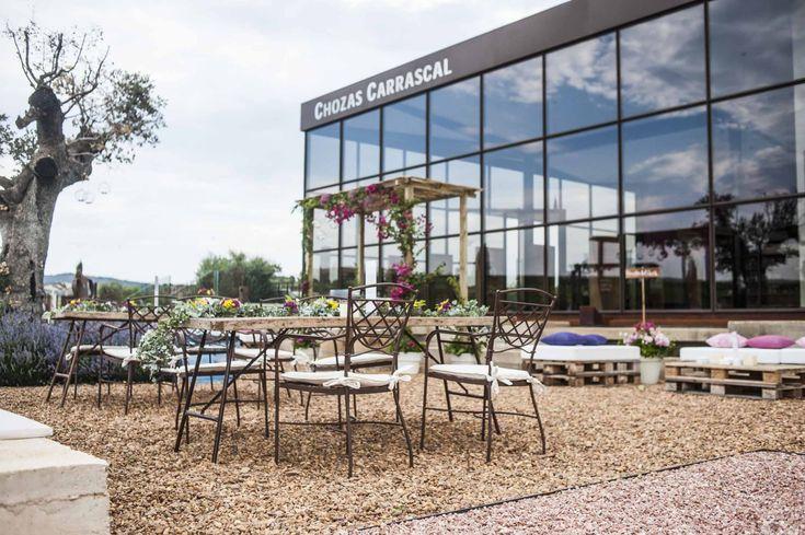 Terraza de bodega chozas carrascal muebles de forja de - Muebles terraza valencia ...