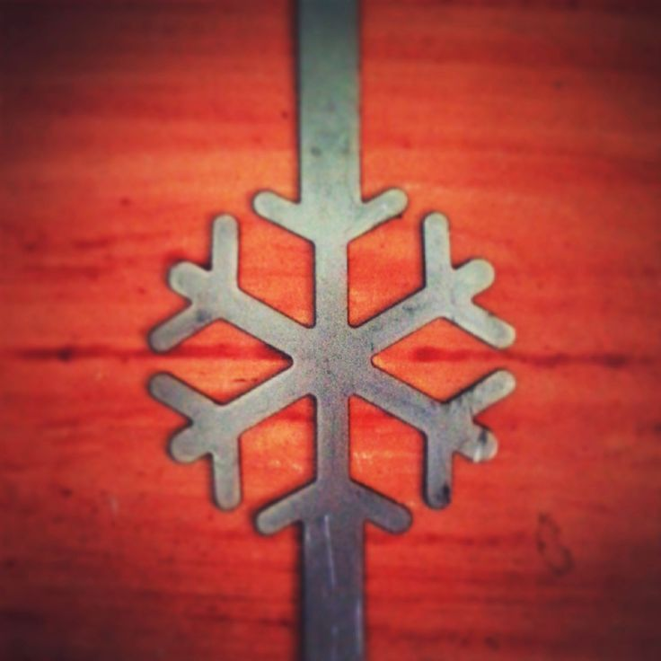 11 Oct.. #Chrismas is coming! First #prototype, unpainted and not worked, of a small idea for your #gifts! Coming soon on www.lamidea.com!  #snowflake #xmas #lamidea
