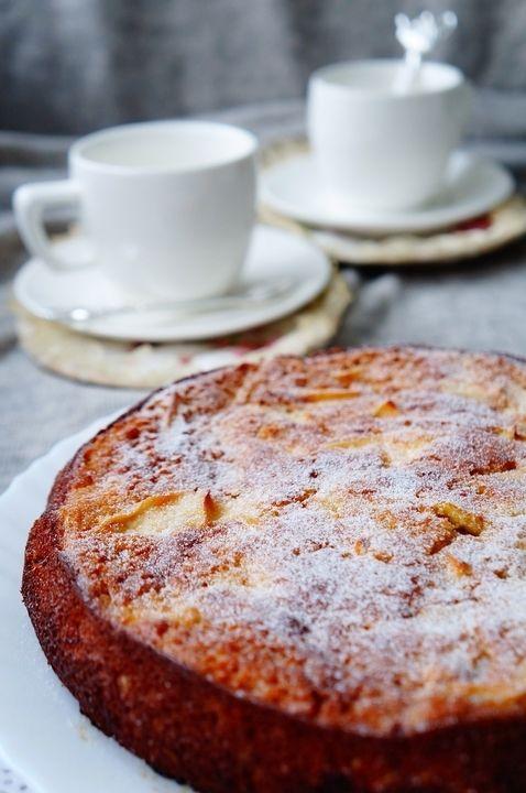 Шарлотка неправильная - пошаговый рецепт с фото: Самый популярный в нашей семье пирог. Рецепт известен от моей мамы, она печет его, сколько я себя помню. Любим шарлотку... - Леди Mail.Ru