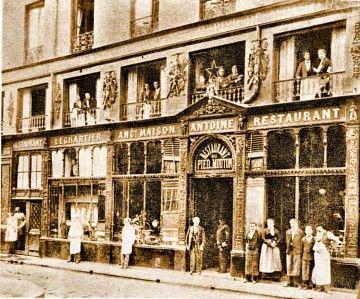 """Pied de mouton - Rue Vauvilliers - La plus grande partie de cette rue a disparu, tombée dans le """"trou des Halles"""""""