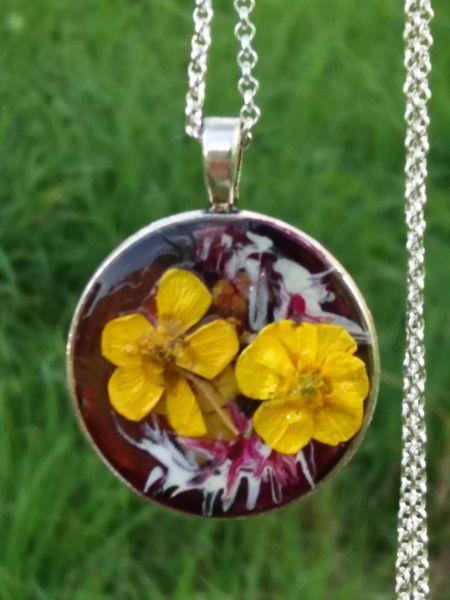 Pandativ floare naturala cu lantisor