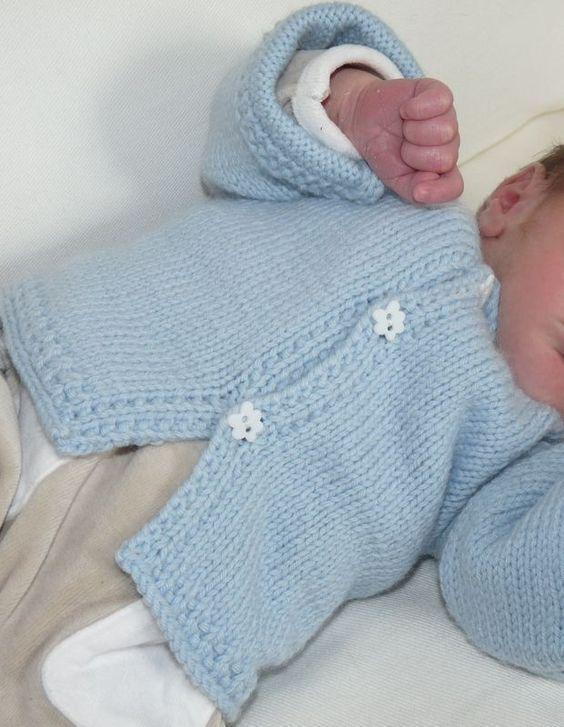 Tuto : le gilet bleu pour bébé. Tutoriel DIY, gratuit, tricot, français, gilet bleu layette pour nouveau-né