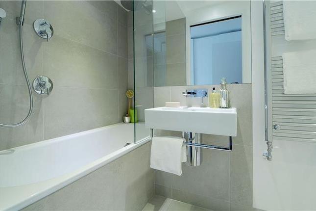 Dress to Let - Porchester Square   Bathroom