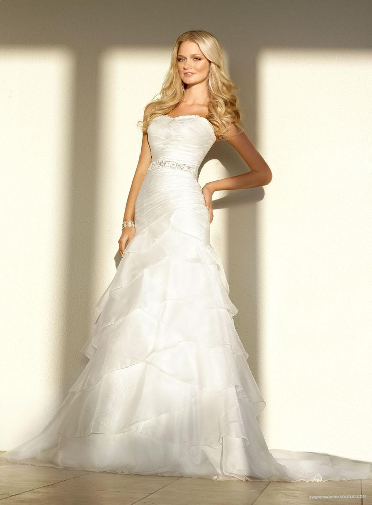Luxurious Soft Organza A-line Strapless Wedding Dress | A Line Wedding Dress With Dropped Waist