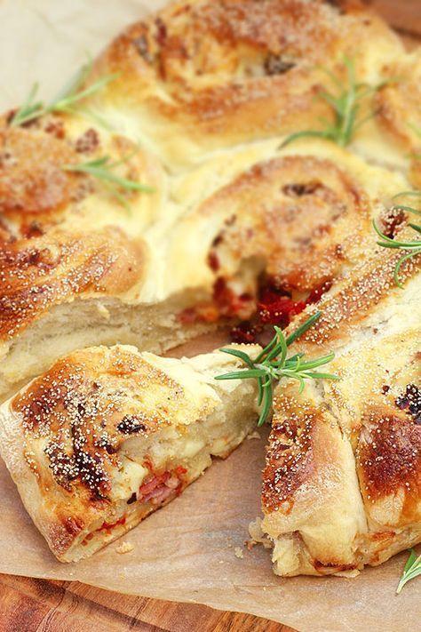 bröd_med_fyllning_baconbröd_soltorkade_tomater