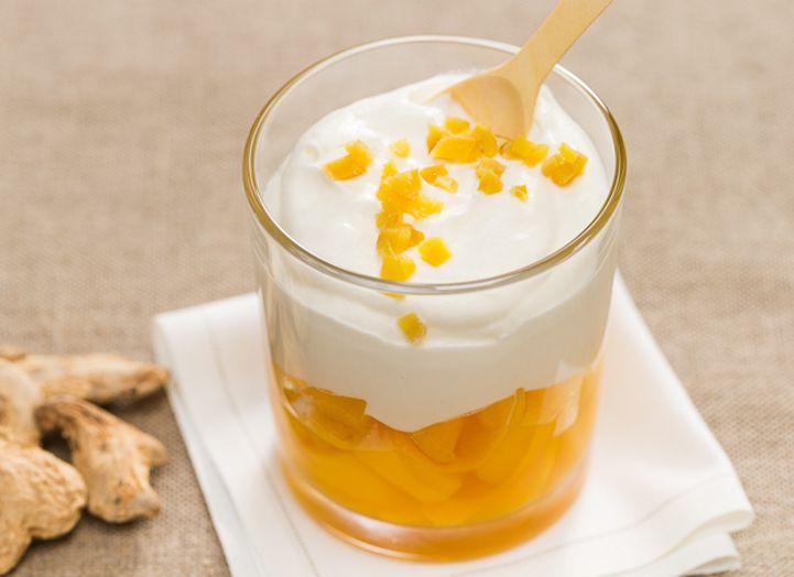 Mangue rôti et crème fouettée au gingembre