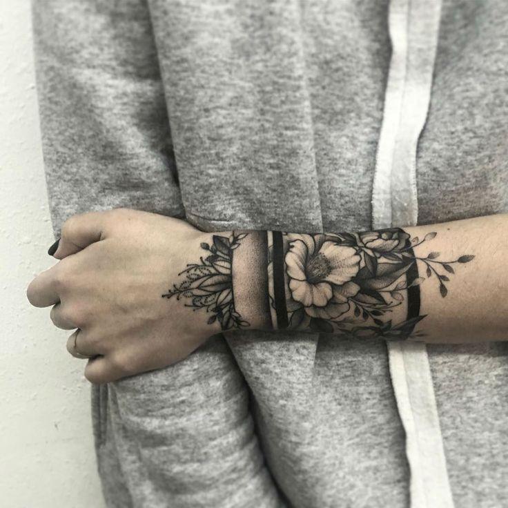 Starke und schöne Tattoo Blumen von Shevchenko #beautiful #shevchenko #star … #flowertattoos – Flower Tattoo Designs