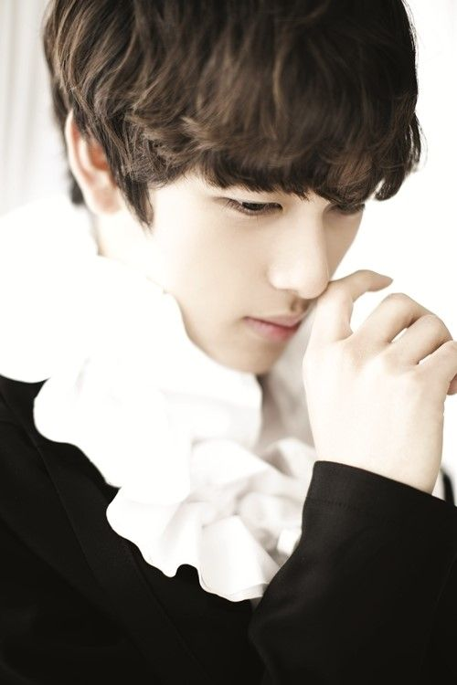 Im Siwan Is An Actor Viewed By Millions More: http://www.kpopstarz.com/articles/75064/20140121/im-siwan-actor-viewed-millions.htm