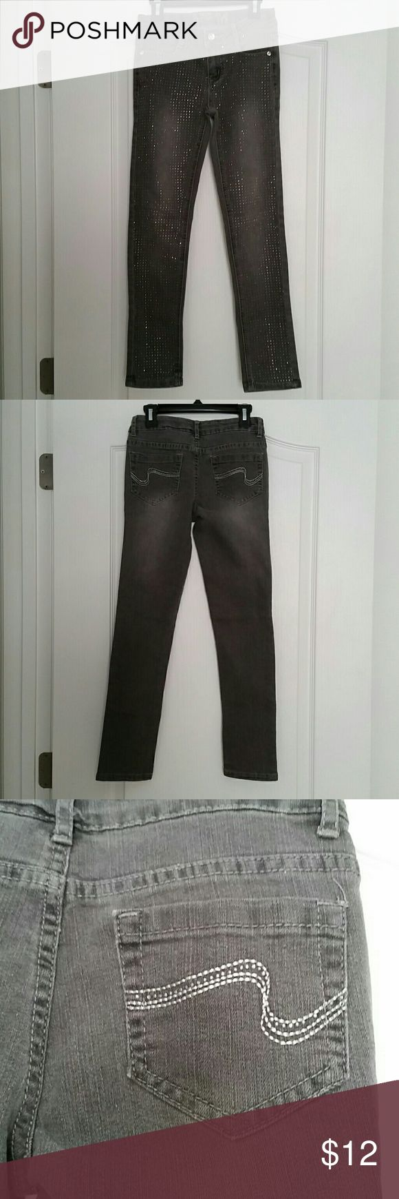Girl's Gray Rhinestone Jeans - Sz. 10 R Nice girl's gray jeans with rhinestones on the front and back pockets.  They do have the pull tabs inside the waistband in order to adjust the size. Total Girl Bottoms Jeans