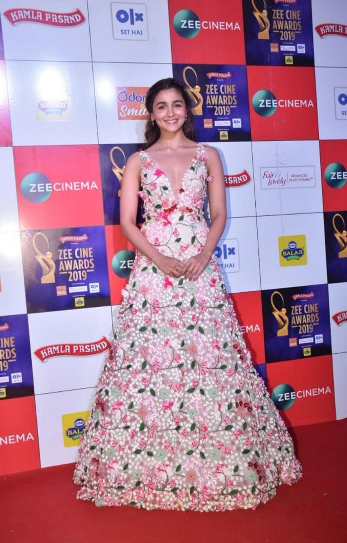 Alia Bhatt Walks The Red Carpet At The Zee Cine Awards Elegant Prom Dresses Bollywood Outfits Stunning Dresses