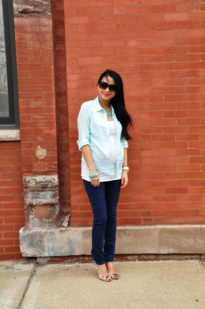 maternity street style: Maternity Wear B, Maternity Street Styles, Check Shirts, Gucci Shoes, Shoes Design, Than, Dresses Shirts, Maternity Style, Fashion Looks