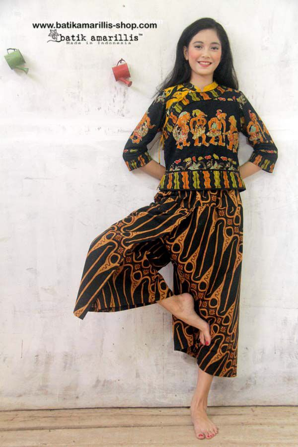 Batik Amarillis made in Indonesia Batik Amarillis's webstore : www.batikamarillis-shop.com Batik Amarillis's Joyluck jacket in hand drawn  batik Wonogiren's Wayang/shadow puppet series, we work together with batik artisan and local talent to create and design new batik pattern and motifs which bring new breeze and freshness :)